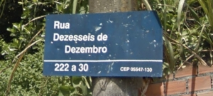 Na Vila Borges, uma travessa da Engenheiro Heitor Eiras Garcia (Butantã)